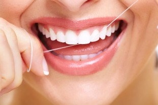 Flossing-1024x682