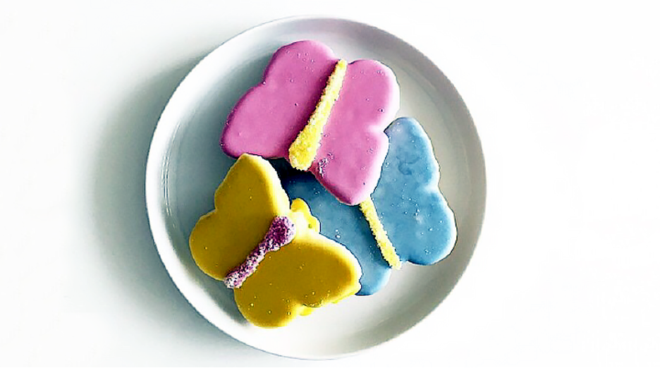These colorful, butterfly-shaped cookies contain calcium, a vital nutrient that helps keep teeth and bones strong. Plus, the cookie batter is low in sugar and the icing sugar-free.