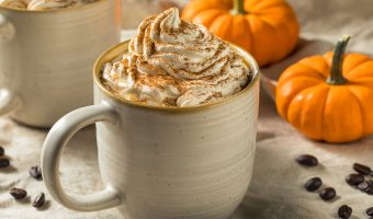 Don't ignore your pumpkinspice fever for the sake of your smile! Instead, try the following homemade recipe for a healthier alternative to your autumn addiction.
